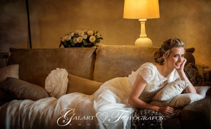 Fotografías de novios en el campo, reportaje de boda, fotos de novios, masía les casotes, galart fotografos (8)