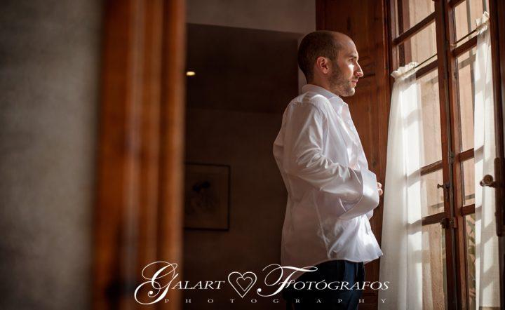 Fotografías de novios en el campo, reportaje de boda, fotos de novios, masía les casotes, galart fotografos (6)