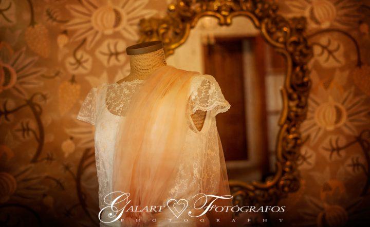 Fotografías de novios en el campo, reportaje de boda, fotos de novios, masía les casotes, galart fotografos (5)